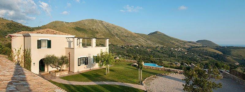 Collina degli Ulivi B&B si trova ad Itri, in provincia di ...